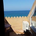Utsikt fra balkongen på rommet