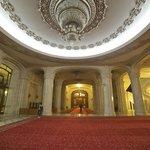 un des nombreux couloirs interminables du Palais