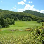 vue de la terrasse du restaurant sur le parcours de golf 18 trous