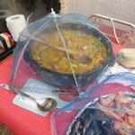 Petits parapluies pour protéger la nourriture