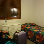 room with 2 single bed