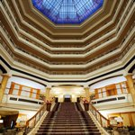 The Westin Grand Berlin - Freitreppe in der Lobby