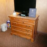 nice dresser/flat screen TV,  Hi  grade carpeting