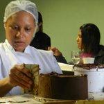 Elegant Simplicity cake decorating workshop