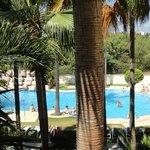 piscina lago tropical, desde la habitación