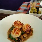 Scallops, Mushrooms and Pine Nuts in a Peppercorn Sauce
