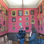 A lot of paintings also in smaller rooms