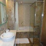 salle de bain de notre suite