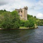 Urquhart Castle1