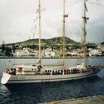Wyjście polskiego żaglowca szkoleniowego ,,Iskra'' z portu w Funchal