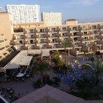 Hotel et cour