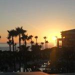 Traumhafter Sonnenuntergang / Ausblick aus unserem Zimmer!
