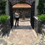 006 - East-side walking to our room - Casa Isabella - 19Jul14