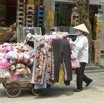 Vie quotidienne dans la rue Hang Bo