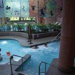 Innen Schwimmbad mit Whirlpool