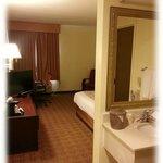La Quinta Room & Bathroom Sink