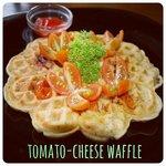 tomato-cheese waffle