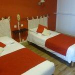 Chambre à deux lits très correcte