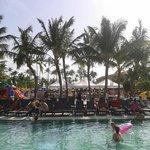 la piscine le 4 juillet 2014