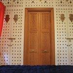 La chambre (porte de la sbd)