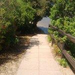 ilvialetto di accesso a una delle spiagge vicine