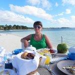 Завтрак на пляже...Мммммммм....