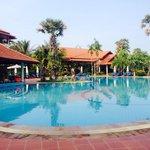 The beautiful Grand Soluxe pool