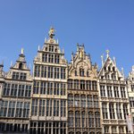 La Grand Place d'Anvers : les maisons des corporations