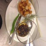 Zuppa di ceci accompagnata a piacere con peperone dolce abruzzese fritto pane tostato o peperonc