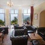 Guest Lounge & Bar