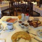 Fantástico desayuno con todo hecho en casa! Inmejorable!