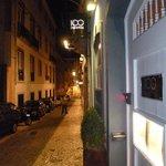 Rua do Teixeira and 100 Maneiras Restaurant in Lisbon's Bairro Alto