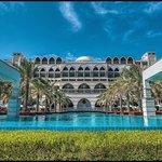JZS Hotel & Pool