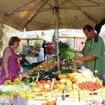 Le petit marché de Cesenatico, près de Cervia. Un festival de couleurs !