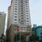 Hotel von der Straße aus