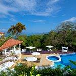 Shana Hotel Swimming Pool