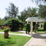 Les jardins et chemins de l'hôtel