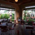 Love the indoor/outdoor garden setting!