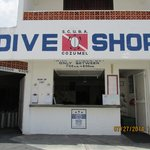 The on-site dive shop is PADI 5 Star