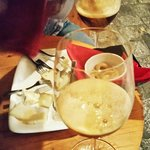Cerveja Artesanal e queijos de primeira