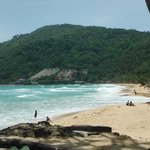 strong waves and no sunbeds on Naiharn beach 1st August 2014