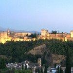 Alhambra vista desde el barrio Albacin et le restaurant el Huerto de Juan Ranas