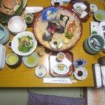 和食膳です。これで全体の6割ぐらいです。
