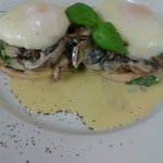 Vege eggs bennie....just devine with creamy mushrooms!