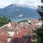 le lac d'Annecy depuis le chateau