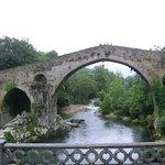 """Puente romano junto Hotel """"El Sella"""""""