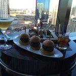 Excellent lobby bar serving superb food & drink