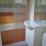 Bathroom 305