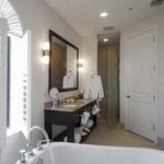 Corner Waterview Suite Bath
