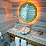 Rooftop bathroom_Sultania Hotel